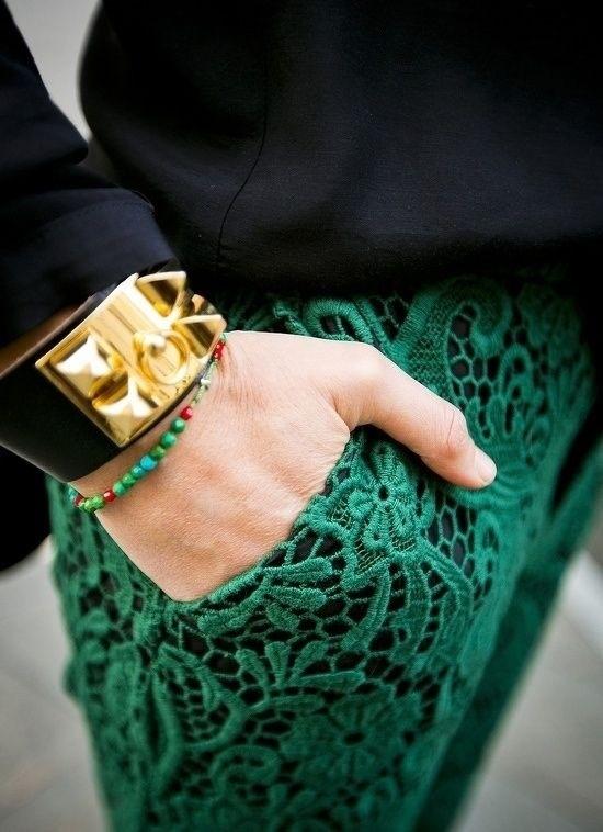 falda verde esmeralda